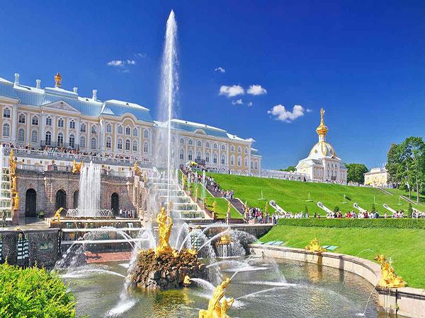 Du lịch Nga tháng 7