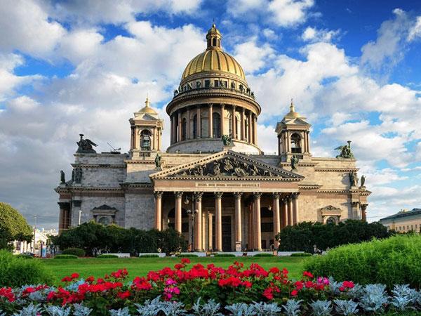 Đến Saint Petersburg khám phá nhà thờ thánh Isaac