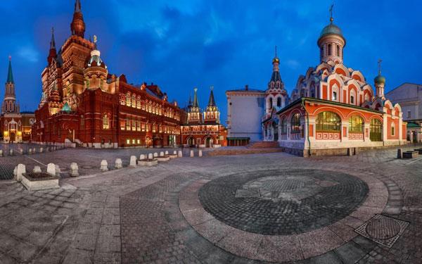 Kremlin-du-lich-nga