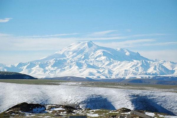 nui-Elbrus-1a