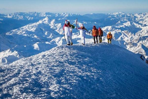 nui-Elbrus-1b