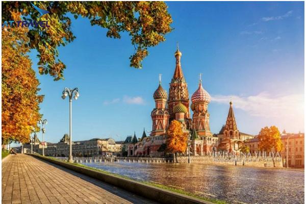 Khám phá du lịch Nga tháng 8 trải nghiệm mùa thu lãng mạn