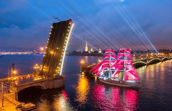 lễ hội cánh buồm đỏ thắm 4