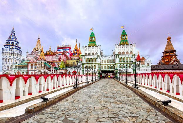 Du lịch Moscow trải nghiệm quần thể Izmalovskiy Kremli tuyệt đẹp