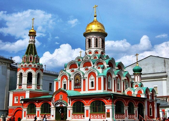 Đến Nga đừng quên chiêm ngưỡng nhà thờ Kazan tuyệt đẹp