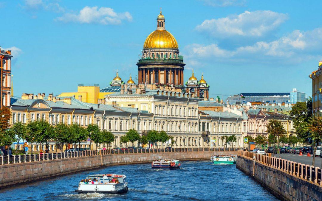 Du lịch ở Nga trải nghiệm du thuyền trên sông Neva