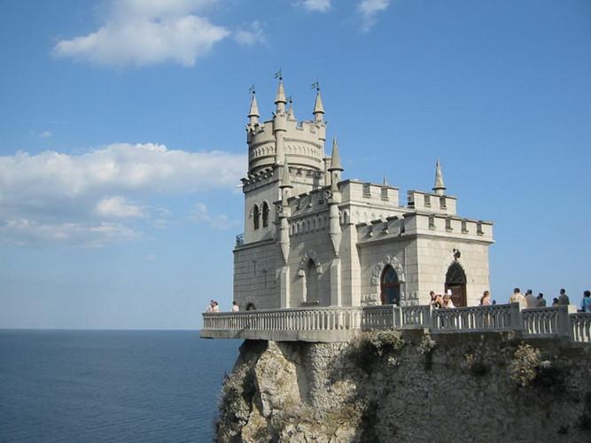 lâu đài tổ yến 3