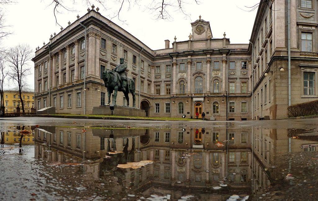 Đến Saint Petersburg đừng bỏ lỡ cung điện đá cẩm thạch