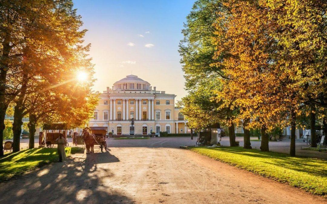 Top 9 cung điện đẹp mê hồn ở thành phố hoàng gia St.Petersburg
