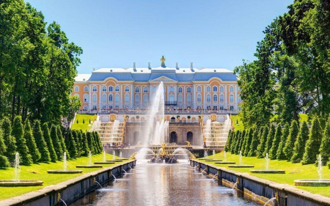 Du lịch Saint Petersburg chiêm ngưỡng cung điện Peterholf hoa lệ