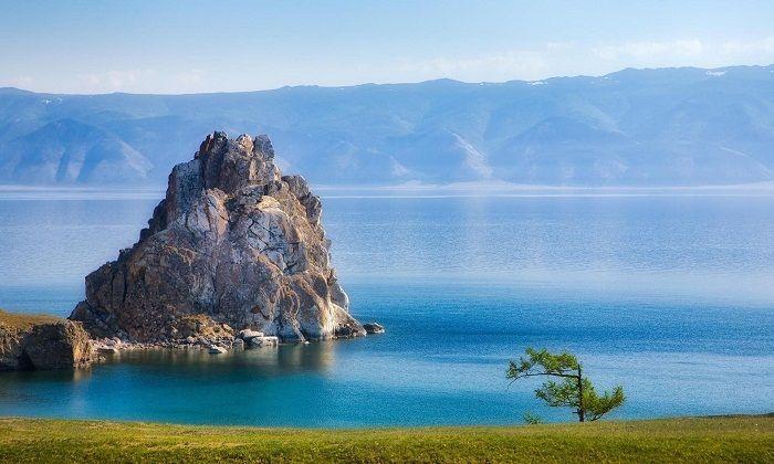 Chiêm ngưỡng hồ Baikal tại Nga – Hồ nước ngọt đẹp nhất thế giới