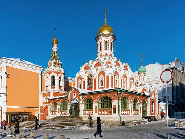 Du lịch Nga chiêm ngưỡng nhà thờ Kazan lộng lẫy
