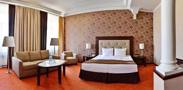 petro-palace-hotel-1