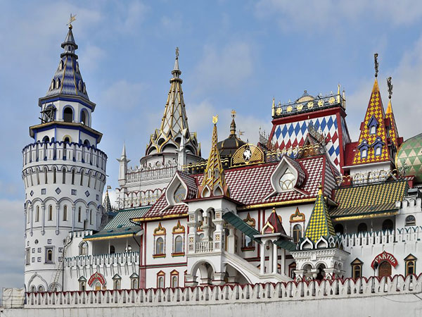 quan-the-kien-truc-Izmalovskiy-Kremli-1b