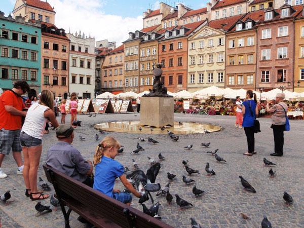 Du lịch Moscow cùng lắng mình tại phố cổ Arbat